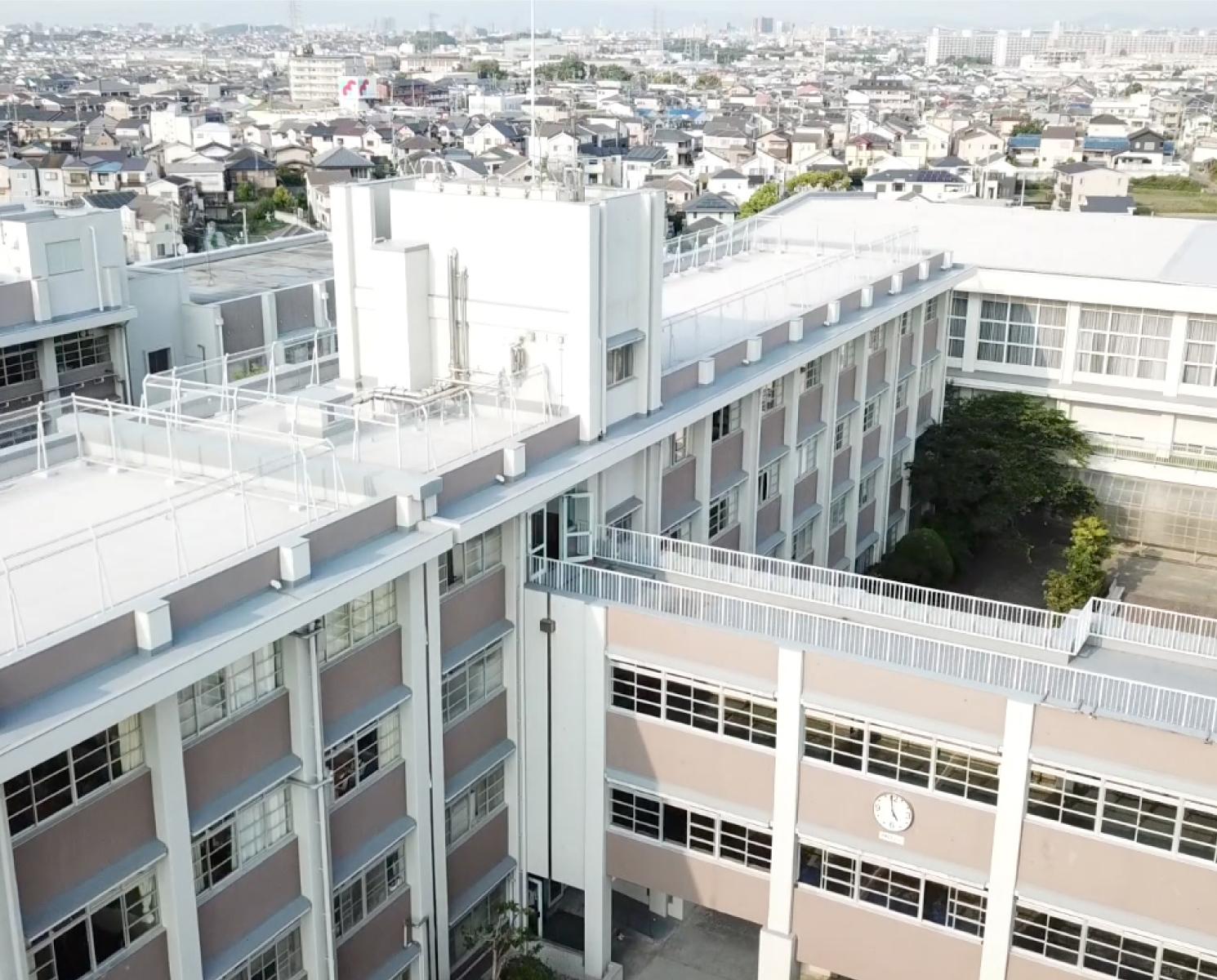 大阪府立鳳高等学校 | 単位制授業・広いグラウンドで部活も活発な大阪 ...